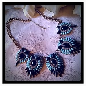 Stunning Blue Tones Statement Necklace